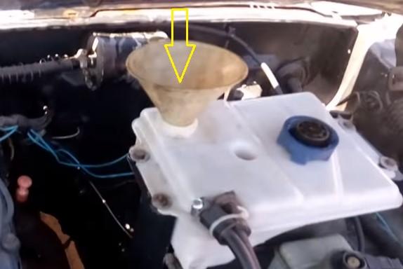 Эффективная промывка системы охлаждения автомобиля: какое средство лучше и видео, как правильно промыть своими руками в домашних условиях