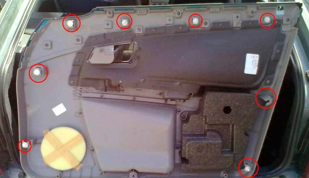 Как снять обшивку двери на Приоре: переднюю, заднюю — пошаговая инструкция