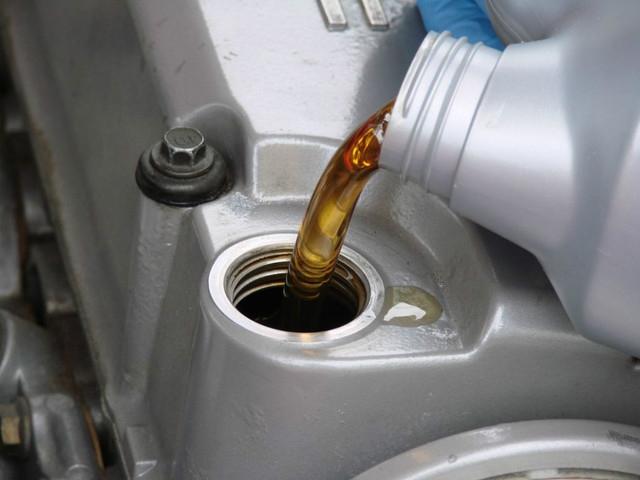Можно ли мешать антифриз с водой: в каких ситуациях делать это допускается и как правильно разбавлять тосол?
